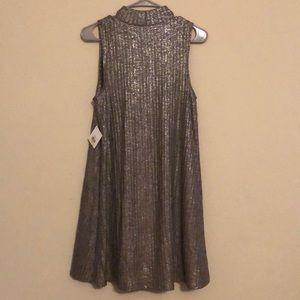 Kensie Dresses - Kenzie Silver Metallic Party cocktail dress size M